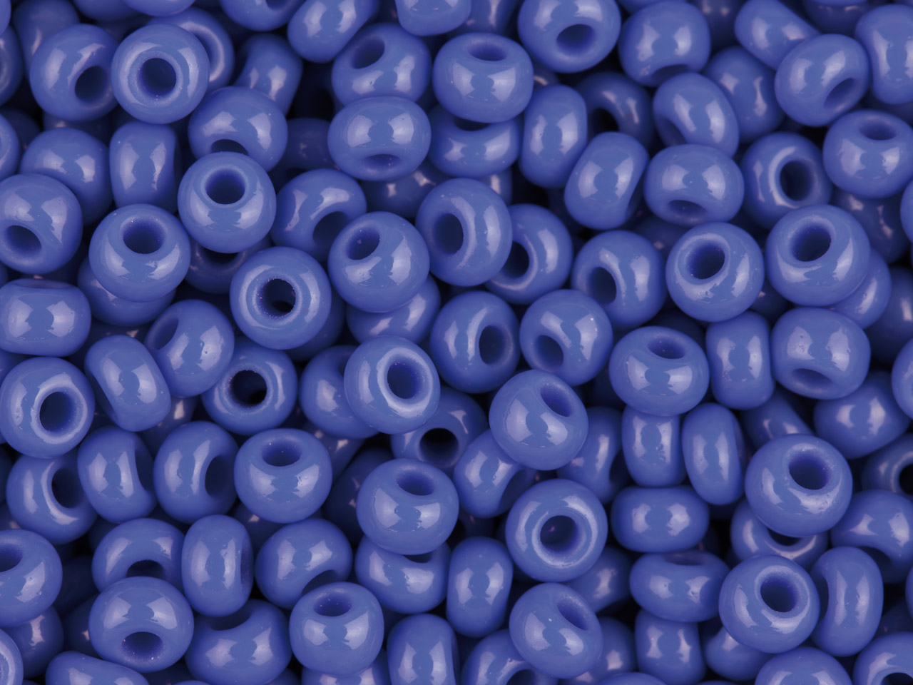 Abalorios Checos De Rocalla 8/0. Opacos. Color Azul. Pack De 20gr.